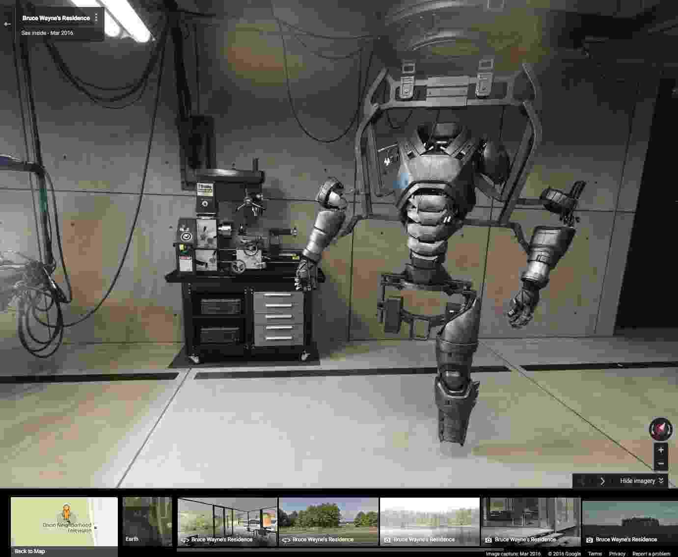 """Google Street View permite visitar o cenário da Batcaverna no filme """"Batman Vs Superman: A Origem da Justiça"""" - Reprodução/Google Street View"""