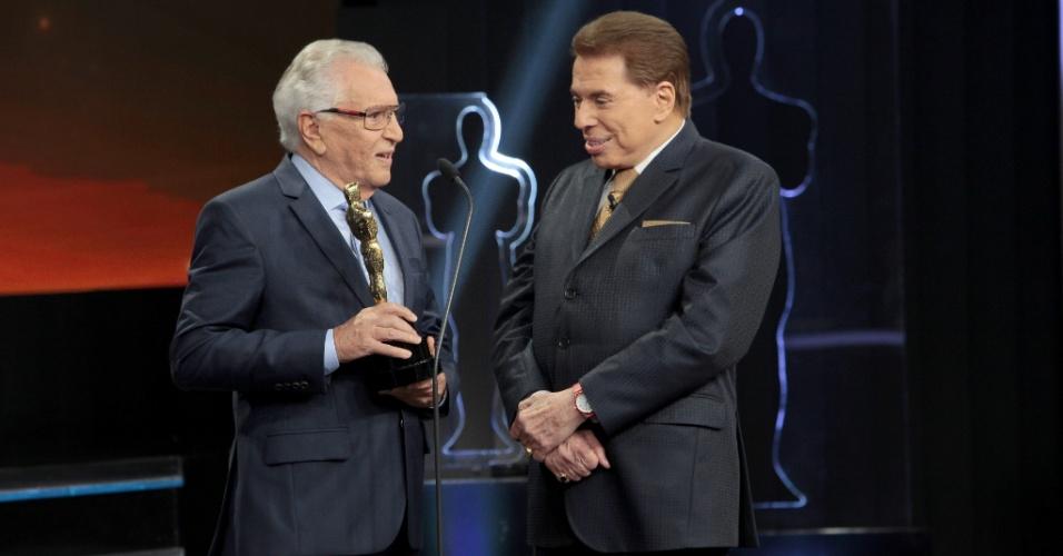 Carlos Alberto de Nóbrega recebe o Troféu Imprensa de melhor programa humorístico