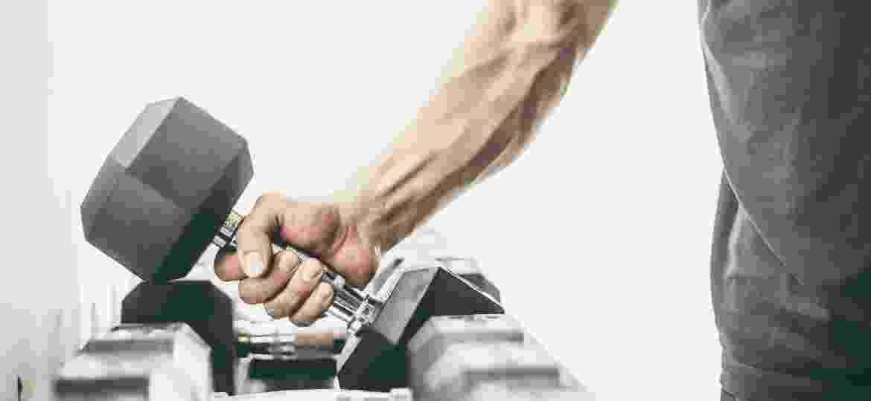 Três fatores colaboram para o surgimento das veias: baixo índice de gordura corporal, prática constante de exercícios e propensão genética - iStock