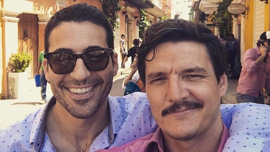 """Miguel Ángel Silvestre e Pedro Pascal em Cartagena, na Colômbia, para as filmagens da terceira temporada de """"Narcos"""" - Reprodução/Instagram/pascalispunk"""