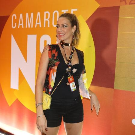 Luana Piovani passou por camarote na Sapucaí neste domingo (26) - Divulgação/CamaroteN1