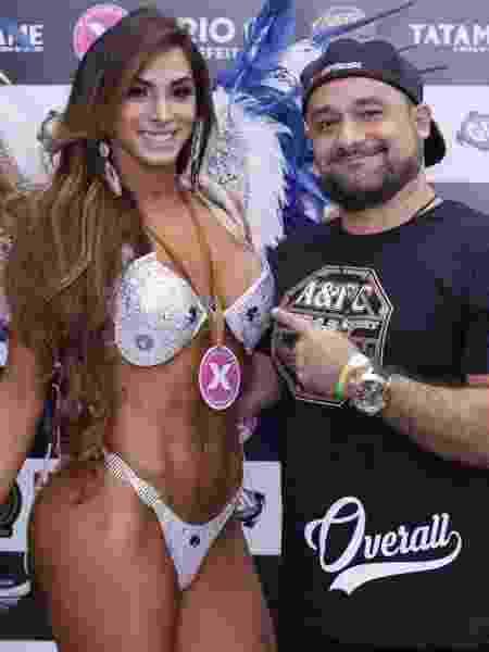 Thaynna Dantas e Celso Leonardo, organizador do campeonato X Angels - Arquivo Pessoal - Arquivo Pessoal