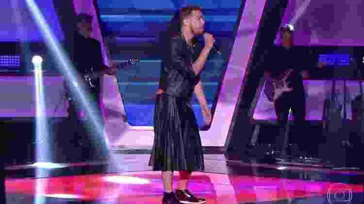 Taric, que superou o preconceito e se apresentou de saia no The Voice - Reprodução/TV Globo
