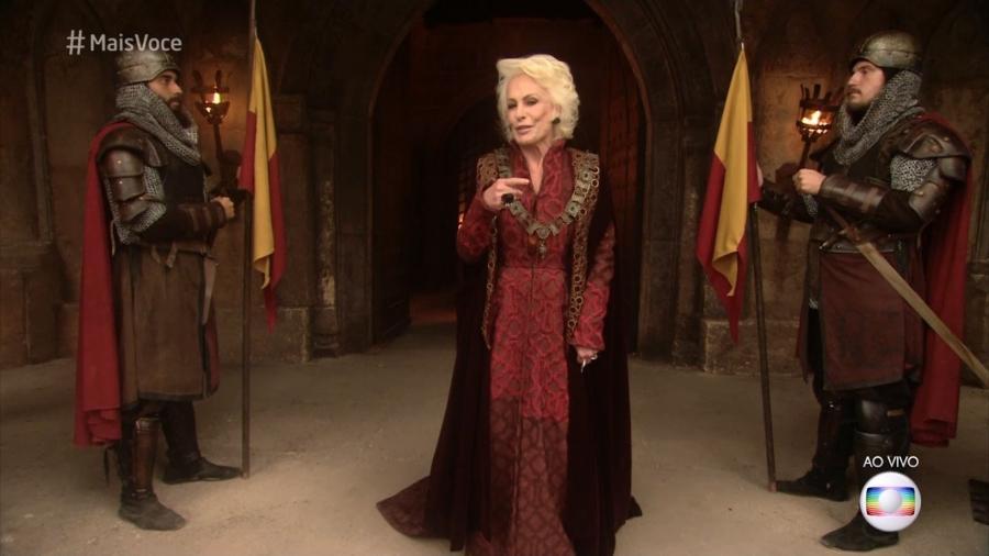 """Com figurino medieval, Ana Maria Braga abre o """"Mais Você"""" no cenário da novela """"Deus Salve o Rei"""" - Reprodução/Globo"""