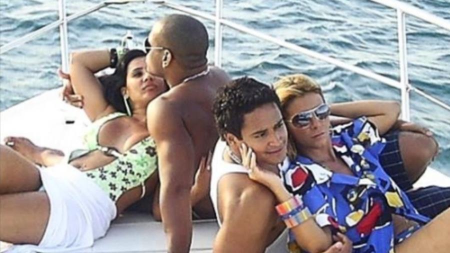 Scheila Carvalho, Tony Salles, Carla Perez e Xanddy em foto de 2008 - Reprodução/Instagram