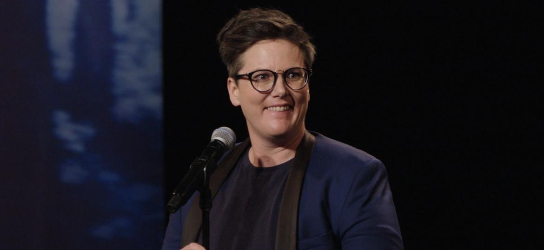 """Hannah Gadsby na comédia stand up """"Nanette"""" - Divulgação"""