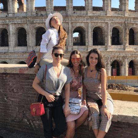 Luciana Cardoso com Jaque Ciocci, Daiane de Paula e Renata Longaray - Reprodução/Instagram