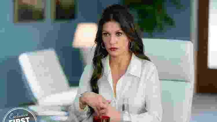 """Catherine Zeta-Jones em """"Queen America"""" - Reprodução/EW - Reprodução/EW"""