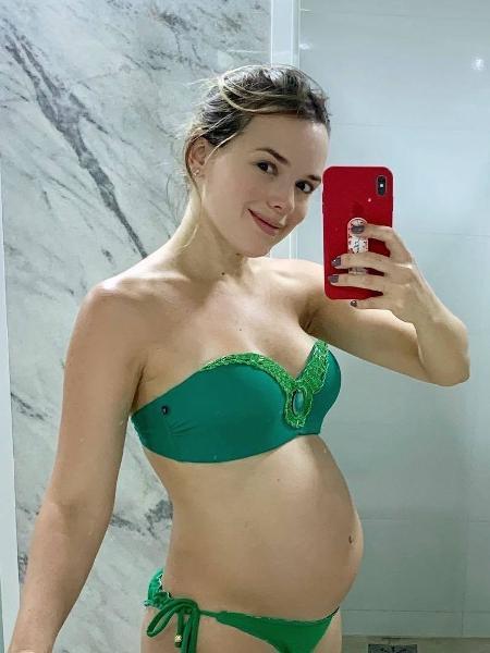 Thaeme posa para mais uma selfie grávida - Reprodução/Instagram/@thaemeethiago
