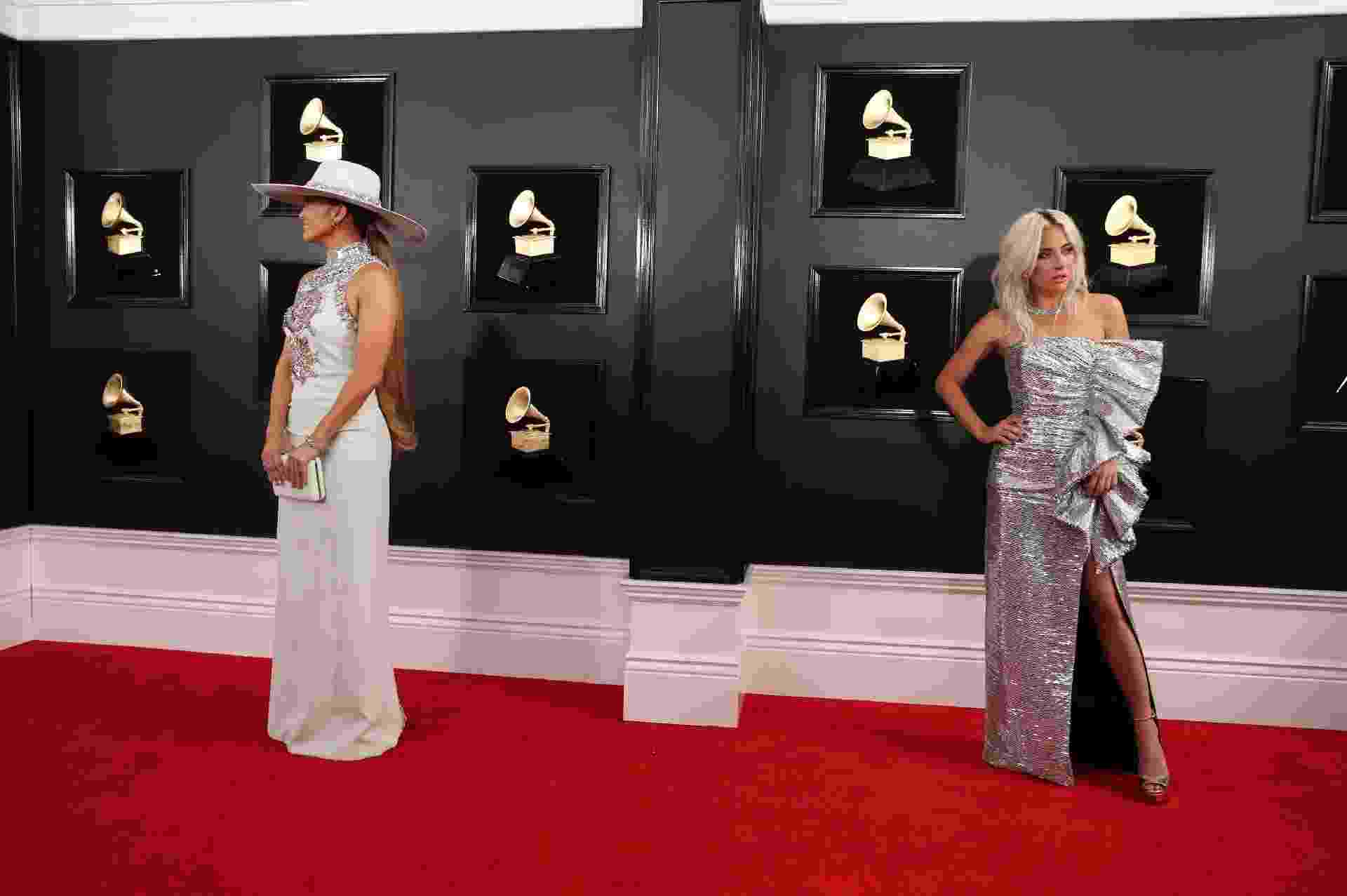 Jennifer Lopez e Lady Gaga no tapete vermelho do Grammy 2019 - Reuters
