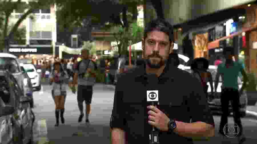 Phelipe Siani em uma de suas últimas reportagens na Globo, durante a Parada do Orgulho LGBT, para o Fantástico - Reprodução/TV Globo
