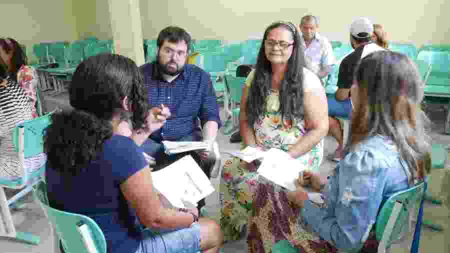 ONG Somos Professores foi criada em 2014 pelo pesquisador Pedro Dantas (esq.) - Divulgação/Thiago Antunes