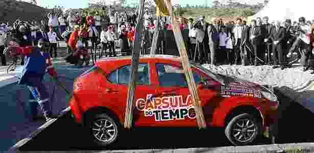 """JAC chegou a enterrar unidade do J3 em """"cápsula do tempo"""", mas terá que retirá-lo - Margarida Neide/A Tarde/Folhapress"""