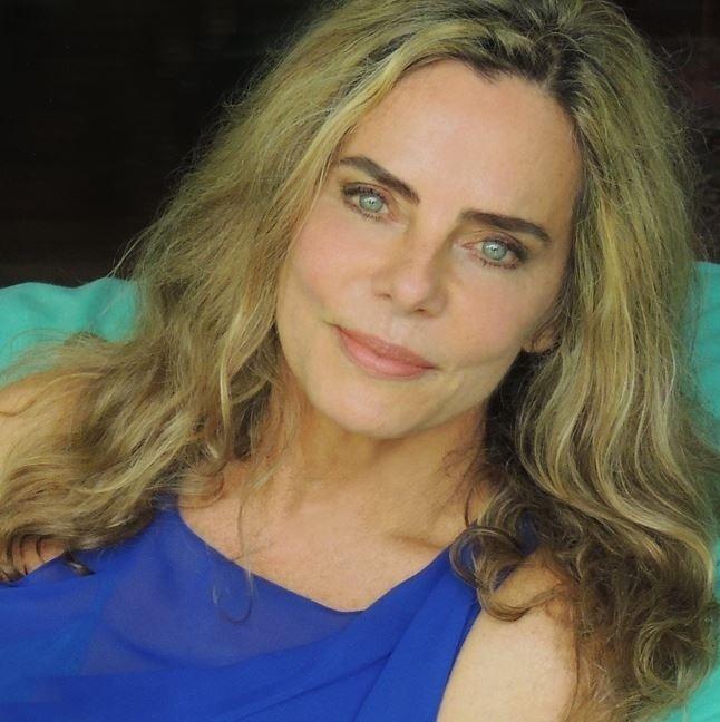 """""""Felicidade é um excelente cosmético"""", diz Bruna Lombardi"""