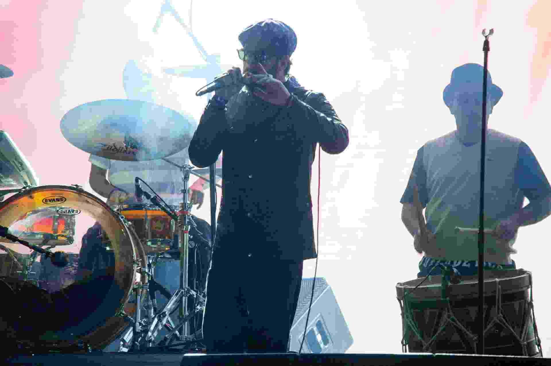 22.mai.2016 - A banda Nação Zumbi encerra a Virada Cultural no palco Júlio Prestes, na Luz, região central de São Paulo - Peter Leone/Futura Press/Estadão Conteúdo