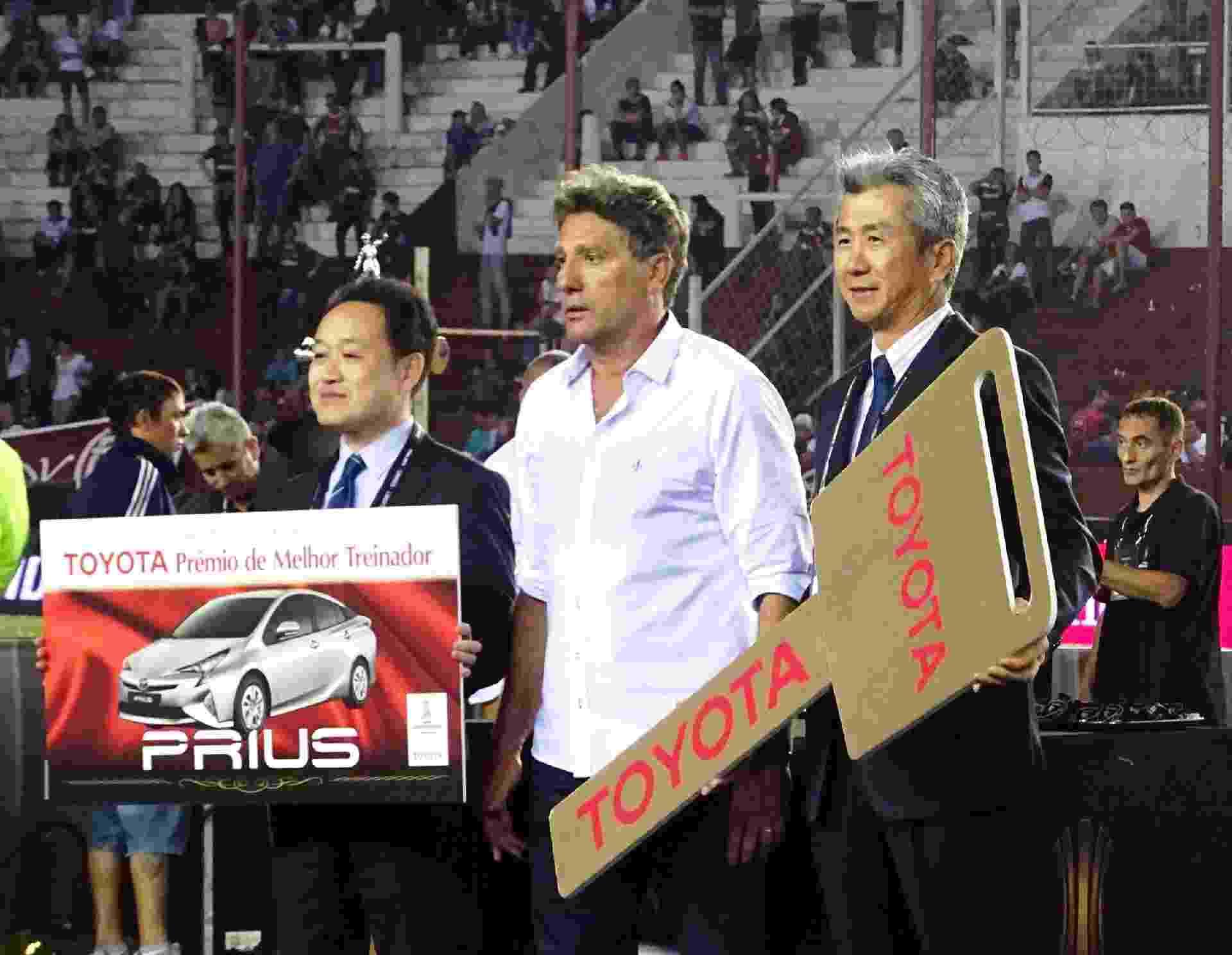 Renato Gaúcho ganha Toyota Prius - Divulgação