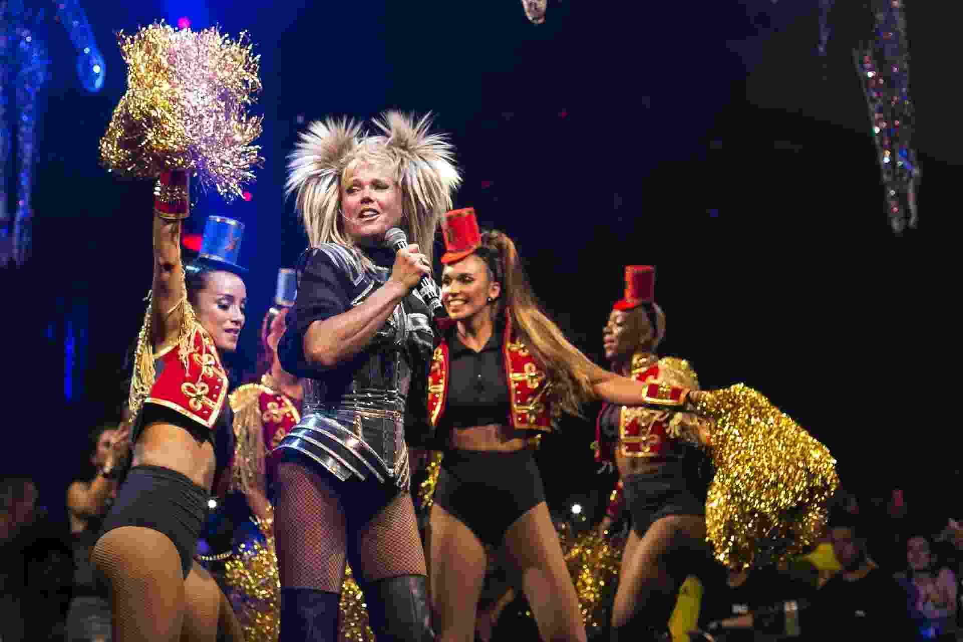 27.jan.2018 - A apresentadora Xuxa Meneghel se apresentou na festa pós-desfile do Spanta Neném, que aconteceu na Sociedade Hípica Brasileira, na Lagoa, zona sul da cidade do Rio de Janeiro - Bruna Prado/UOL