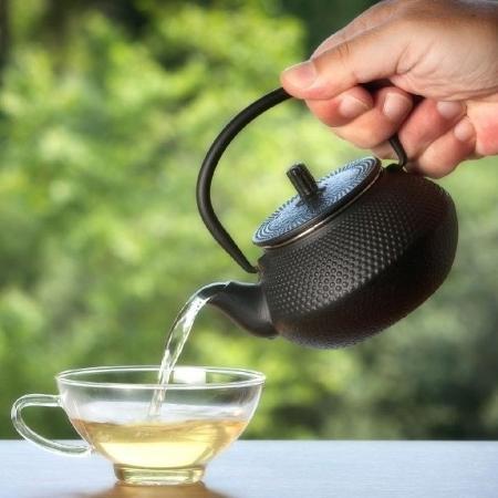 Os chás ajudam a digestão, mas também podem prejudicar a absorção de nutrientes - iStock