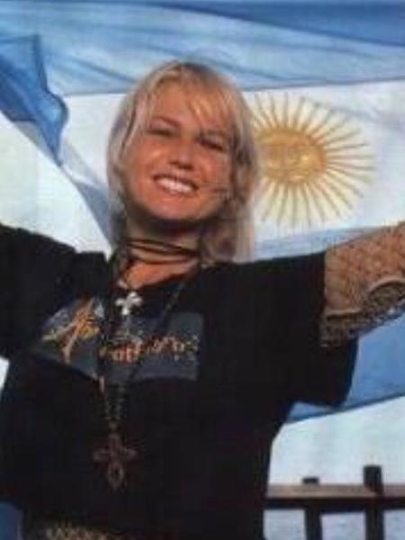 Xuxa em foto antiga com a bandeira da Argentina - Reprodução/Instagram