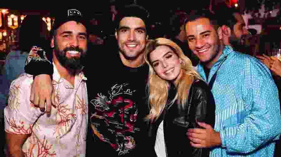 Caio Castro com Giovanna Lancelotti e amigos - Reprodução/ Instagram