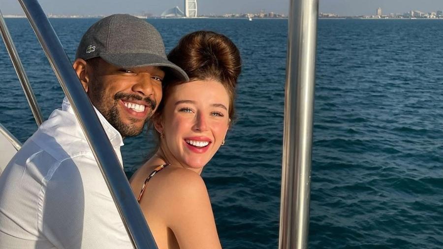 Duda Reis e Nego do Borel em passeio de barco - Reprodução/Instagram @dudareisb