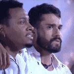 BBB 21: Nego Di e Arcrebiano se emocionam com queima de fogos digital na primeira festa do reality - Reprodução/Globoplay