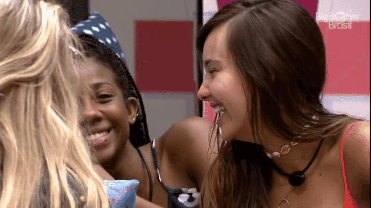 BBB 21: Thaís, Camilla e Viih Tube se divertem com registros da festa - Reprodução/Globoplay - Reprodução/Globoplay
