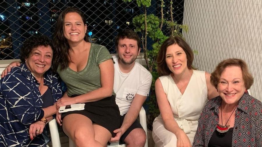 Beth Bruno publicou uma foto com a família para deseja a pronta recuperação da irmã Bárbara - Reprodução/Instagram
