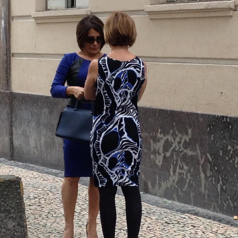 27.jul.2015 - Narjara Turetta posta foto dos bastidores do encontro de Beatriz (Gloria Pires) e Inês (Adriana Esteves) em