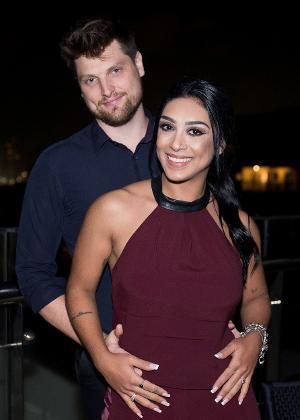 Amanda Djehdian com o noivo Mateus Hoffmann em evento no Rio