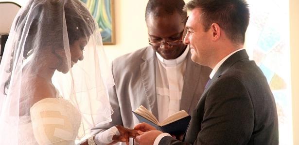 Zanele Ndlovu se casou mesmo após ter braço amputado