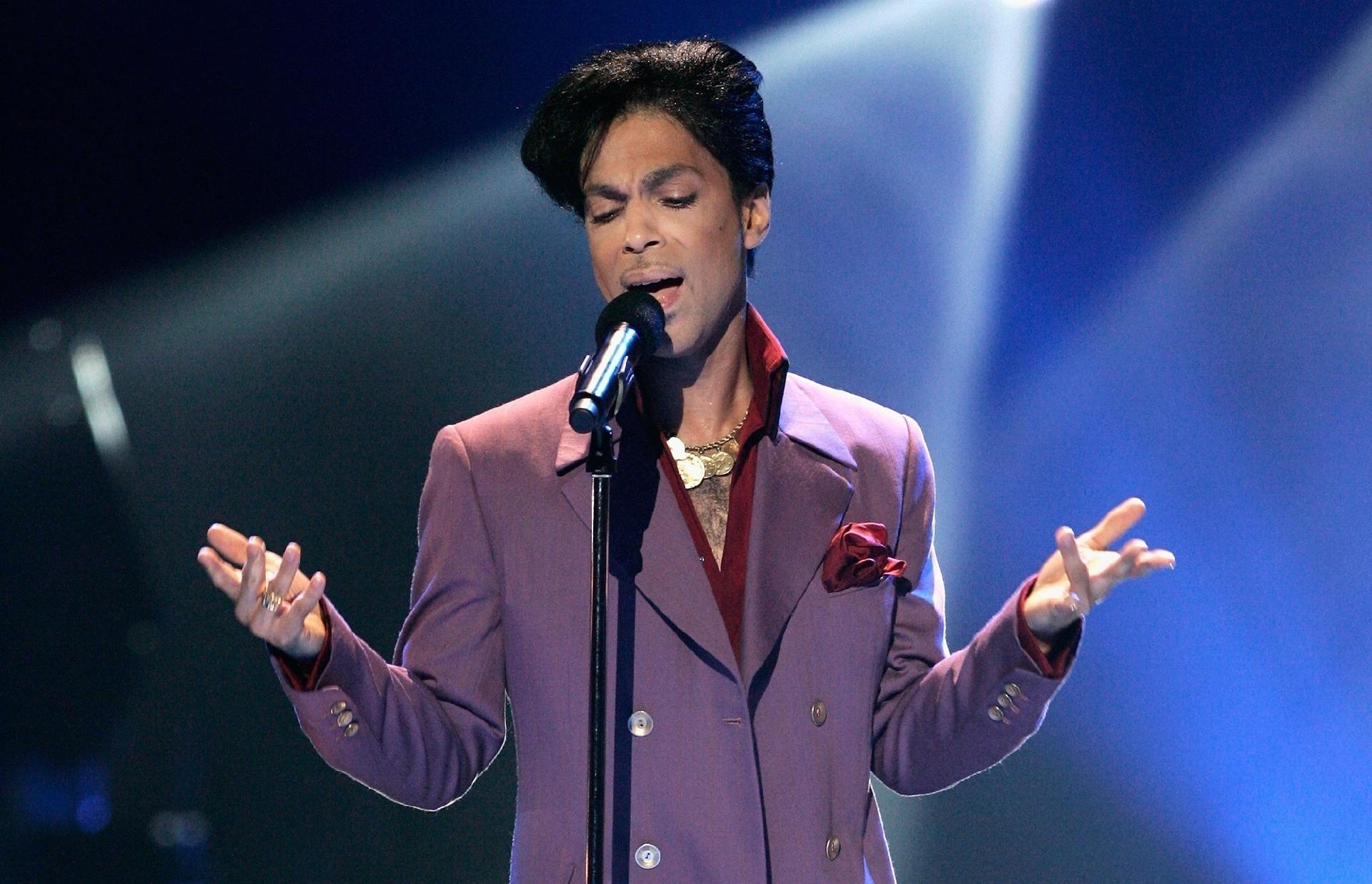 Inéditas de Prince serão lançadas em junho com curadoria de Jay-Z