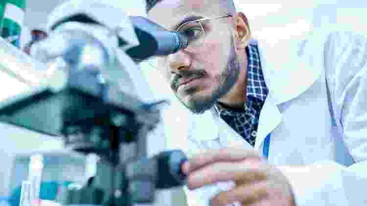 cientista - iStock - iStock