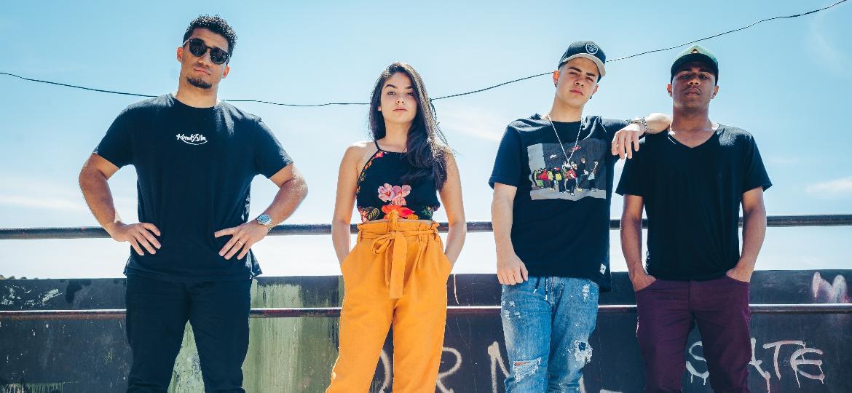 Kondzilla com o trio de protagonistas de Sintonia: os atores Bruna Mascarenhas, Jottapê e Christian Malheiros - Divulgação