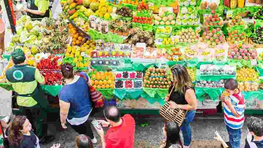 Feiras cariocas terão que cumprir medidas para evitar a aglomeração de pessoas - Getty Images