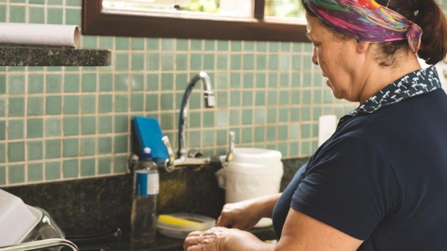 Brasil tem 6,3 milhões de trabalhadores domésticos, segundo dados do IBGE de 2019 - Giselleflissak/Getty Images/iStockphoto