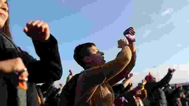 Mulheres turcas entoam canção Un Violador En Tu Camino, criada por feministas chilenas, em protesto em 2019 - Getty Images - Getty Images