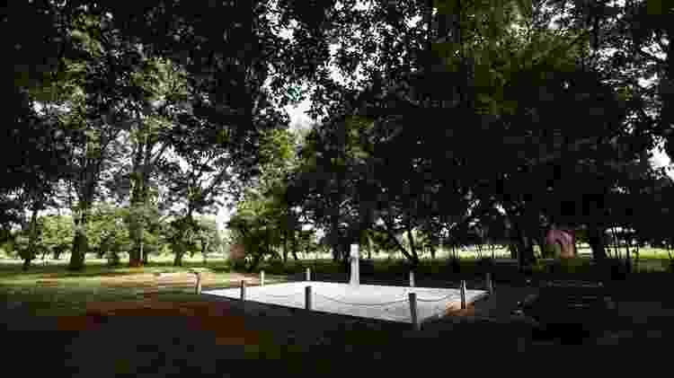 Túmulo de Juscelino Kubitschek, no cemitério Campo da Esperança, em Brasília. - Marcelo Camargo/Agência Brasil - Marcelo Camargo/Agência Brasil - Marcelo Camargo/Agência Brasil