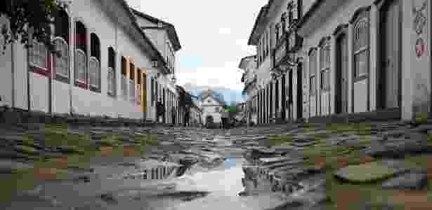 3.jul.2015 - Vista da cidade no terceiro dia da Flip, Festa Literária Internacional de Paraty. - Zanone Frassiat
