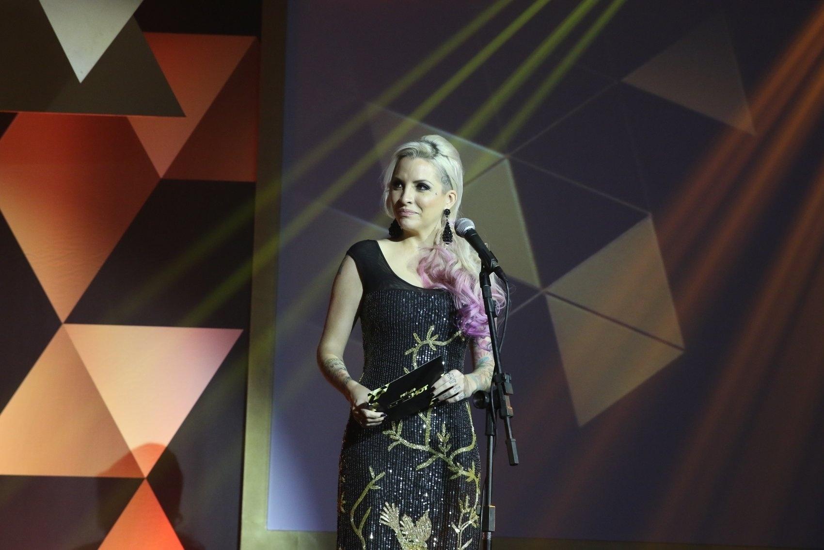 18.ago.2015 - Clara Aguilar no palco apresentando uma categoria na segunda edição do prêmio Sexy Hot, que reconhece as melhores produções eróticas do Brasil, nesta terça-feira na Vila Olímpia em São Paulo