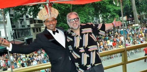 Roberto Mafra, presidente da Banda do Fuxico, com Leão Lobo, padrinho da banda