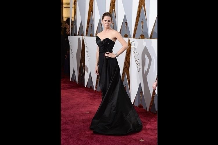 785396ab9 28.fev.2016 - A atriz Jennifer Garner apostou em um modelo glamoroso e