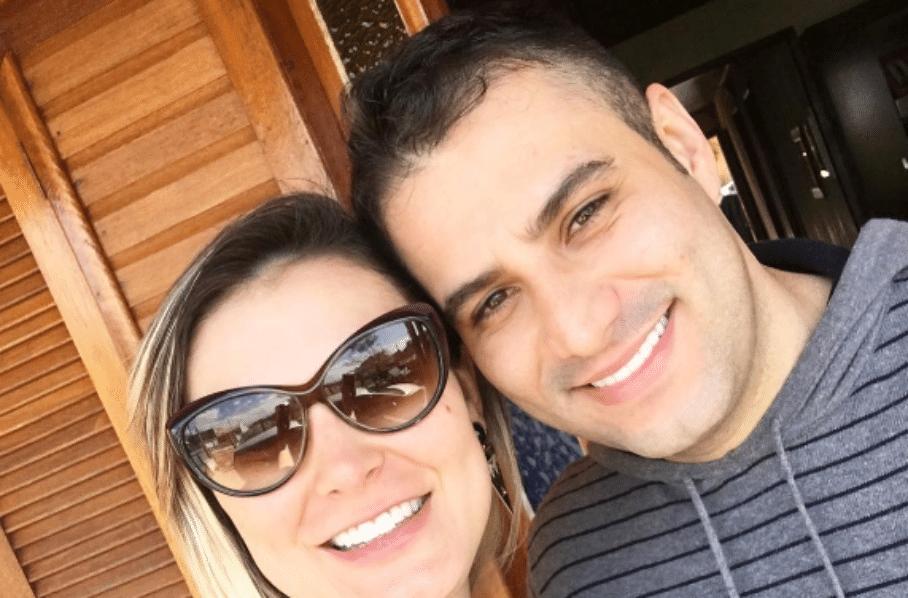 05.out.2016 - Andressa Urach posa com o noivo Tiago Lombaldo