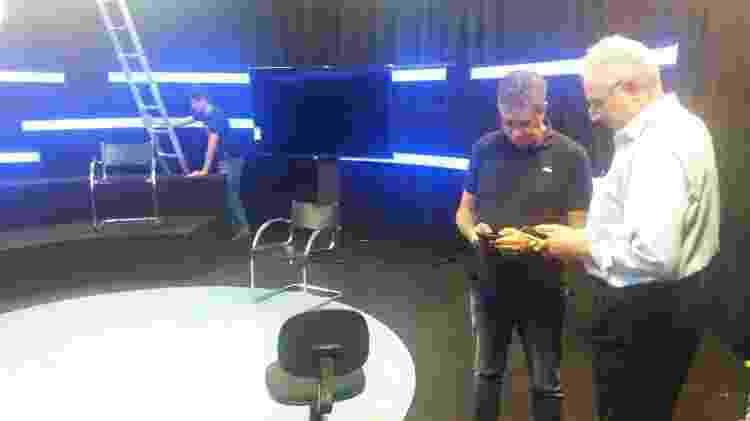 William Waack bastidores de gravação para Internet - Canal 1/Divulgação - Canal 1/Divulgação