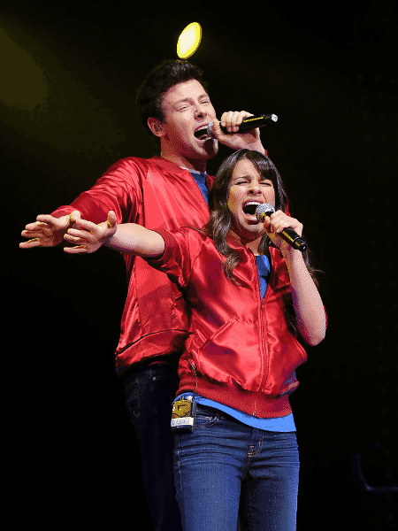 """Cory Monteith e Lea Michele em cena de """"Glee"""" - Reprodução"""