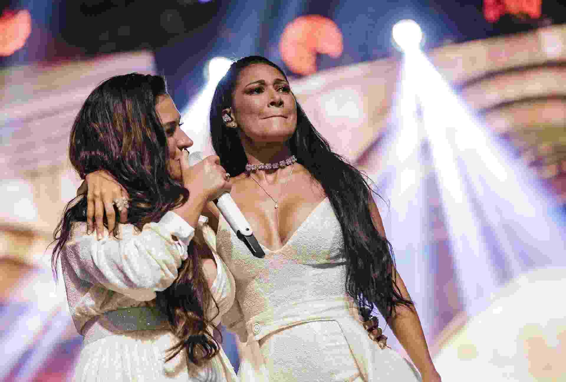 Simone e Simaria cantam em show no Espaço das Américas, em São Paulo, na volta de Simaria aos palcos - Mariana Pekin/UOL