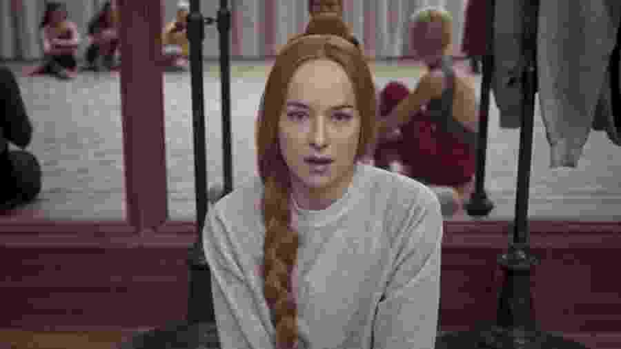"""Dakota Johnson em cena de """"Suspiria"""" - Reprodução"""