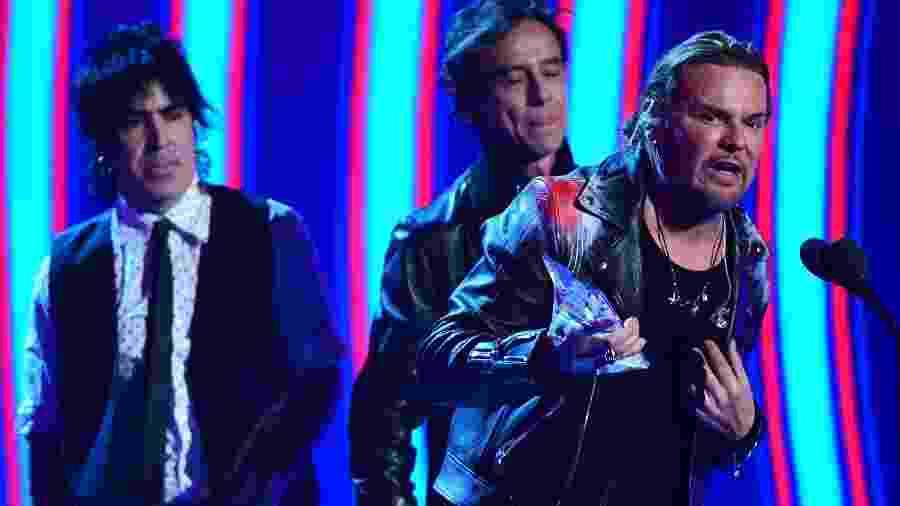 A banda Maná discursou no palco do Grammy Latino 2018 - Robyn Beck/AFP