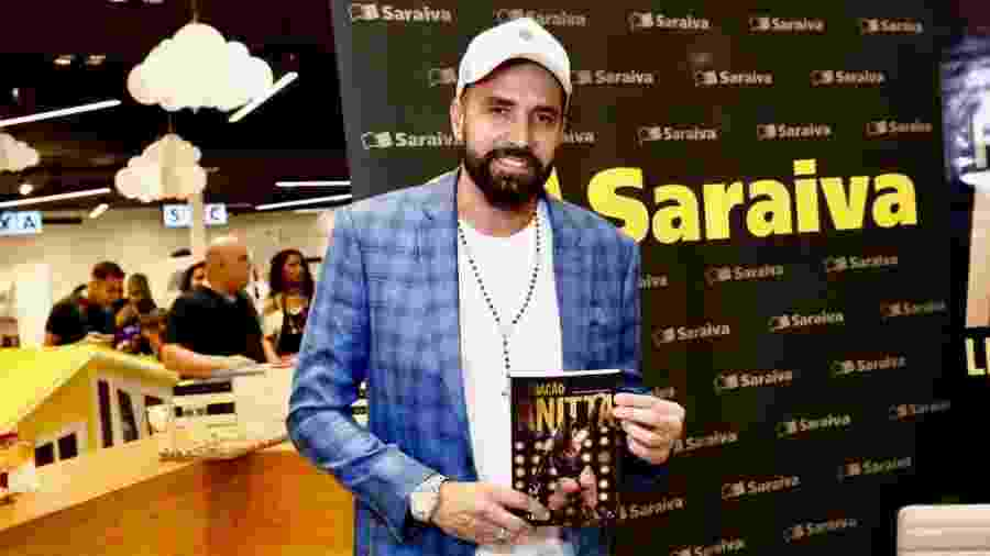 """Latino esteve no lançamento de """"Furacão Anitta"""" no Rio  - Roberto Filho/Brazil News"""