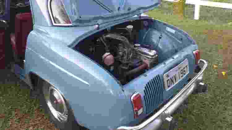Motor do Gordini fica na traseira; tem 4 cilindros e apenas 845 cm³ e rende cerca de 40 cv - Arquivo pessoal